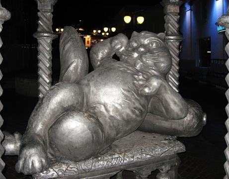 памятник коту в Казани