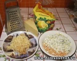Процесс приготовления салата с креветками