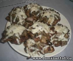 Отбивные с грибами и сыром