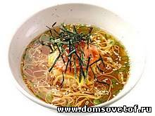 Японский суп с лапшой
