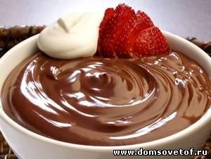 Шоколадный мусс с ягодами