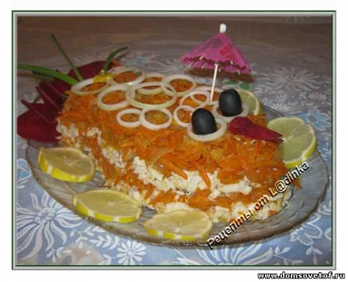 Салат в виде рыбы Золотая рыбка