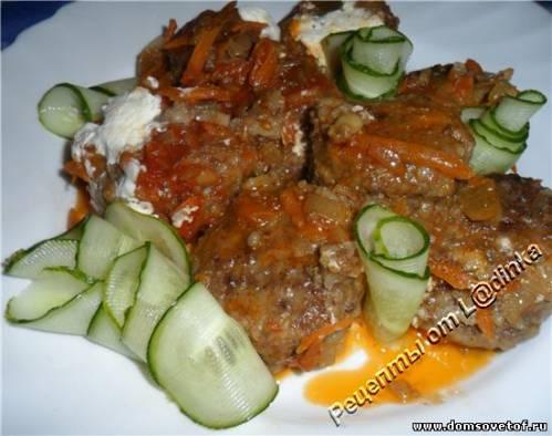 Тефтели с рисом в томатном соусе. Рецепт с фото
