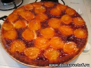 Абрикосовый пирог в карамели