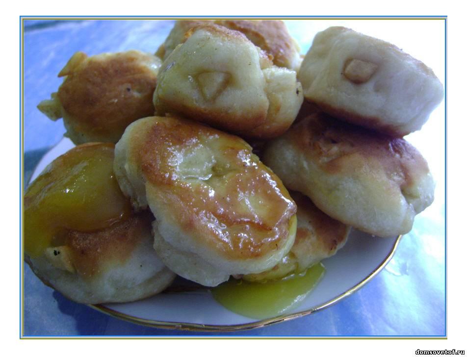 Оладья дрожжевые с яблоками рецепт