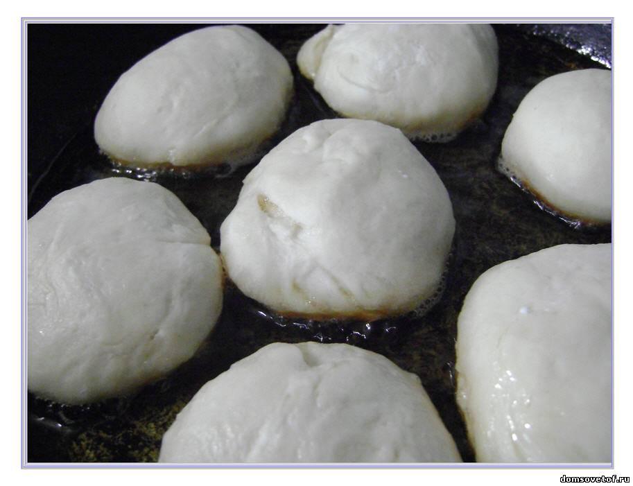 Тонкие блины на кефире с кипятком, рецепт с фото