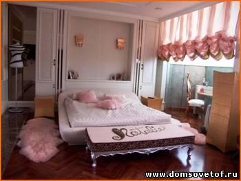 Понятно, что главный элемент меблировки в спальне - это, конечно, кровать.
