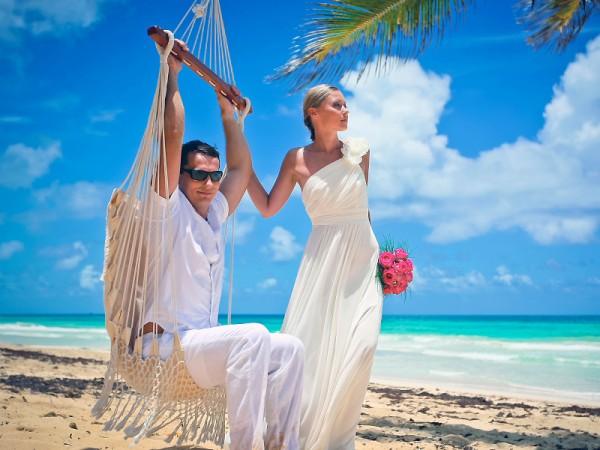свадьба на берегу моря