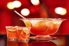 Полезный совет : Как сделать летний алкогольный коктейль «Райский пунш»