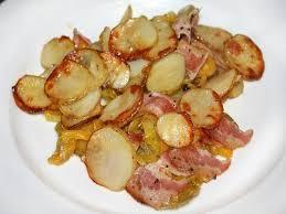 Полезный совет : Рецепт приготовления запечённого молодого картофеля с беконом и овощами