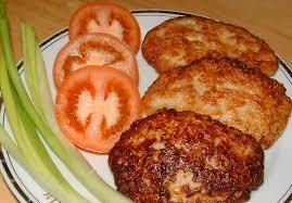 Полезный совет : Рецепт приготовления вкусных котлет из куриного мяса с овощами и сыром