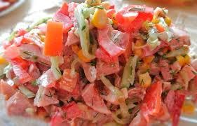 Полезный собрание : Как состряпать сочный салатик вместе с копченой курицей